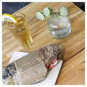 Tampereen Bakery Cafe - täytetyt leivät lounaaksi